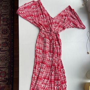 Fraiche by J red and white form fitting mididress